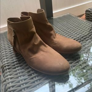Sam Edelman Soft sueded Booties